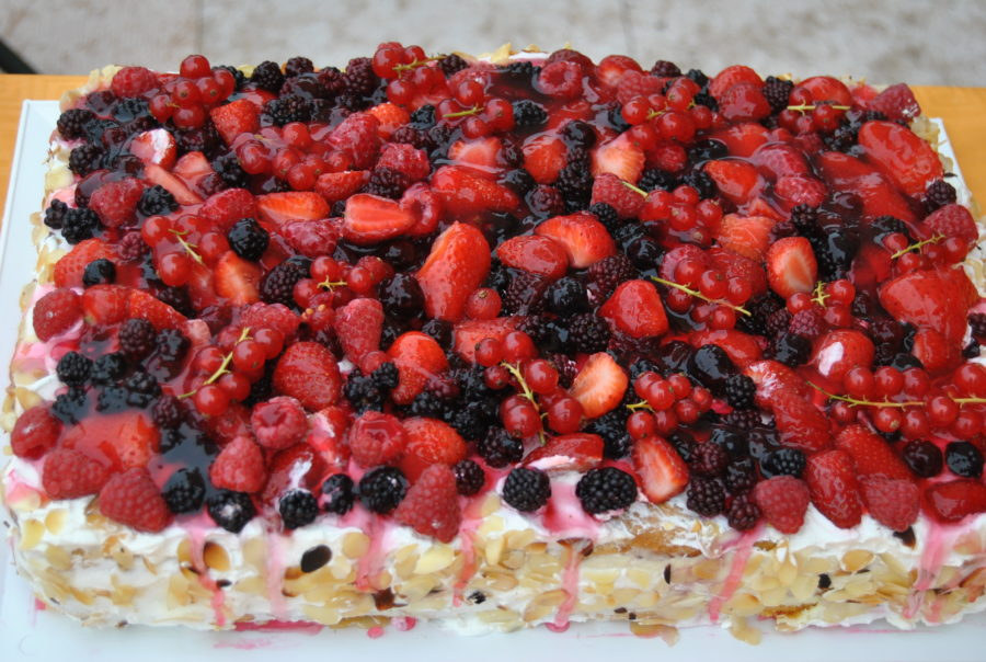 torta ai frutti di bosco gelatinati e ricotta cucina e