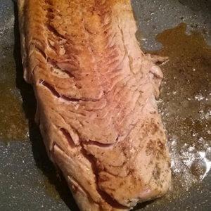 salmone-al-forno-con-finocchi-olive-arance-2